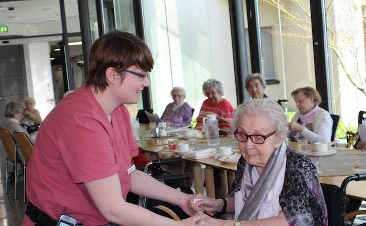 Attitude de service Sandra et pensionnaire